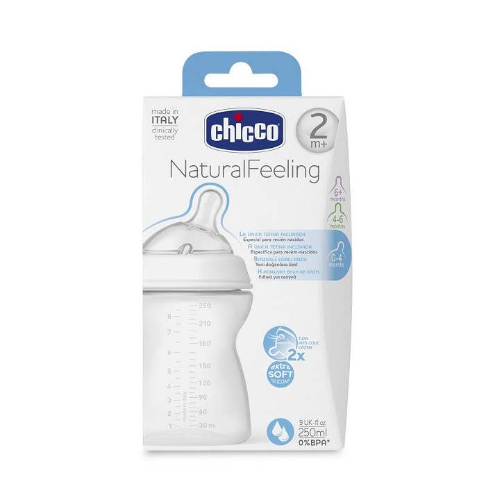 Biberón Natural Feeling Tetina Inclinada 250 ml. Chicco 2M+